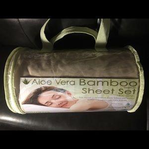 Queen size Aloe Vera Bamboo Sheet set 4 piece set